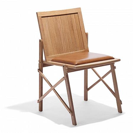 Cadeira Maresias sem Braços - Assento Estofado Couro Marrom/Encosto Ripas