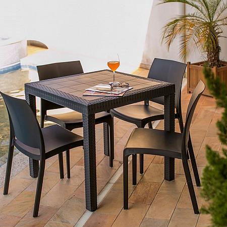 Conjunto Bica - Mesa Dallas 80x80 Carbono com 4 Cadeiras Volga Preto