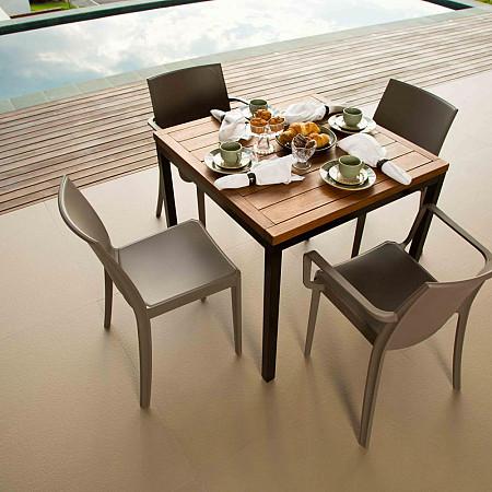 Conjunto Ipanema/Bica - Mesa 85x85 com Pés Aço Carbono com 2 Cadeiras Perla e 2 Cadeiras Victoria