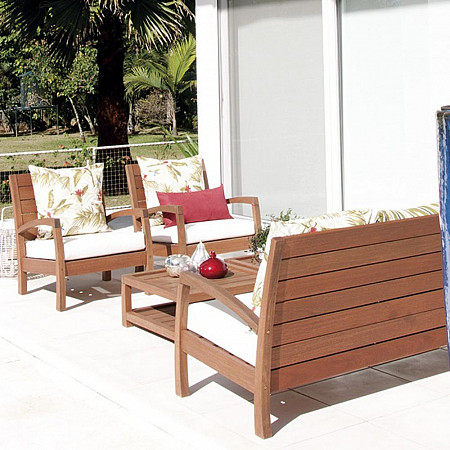 Conjunto Vila Rica - Sofá 2 lugares com 2 Poltronas (Com Almofadas) e Mesa Pufe Vila Rica 69x69